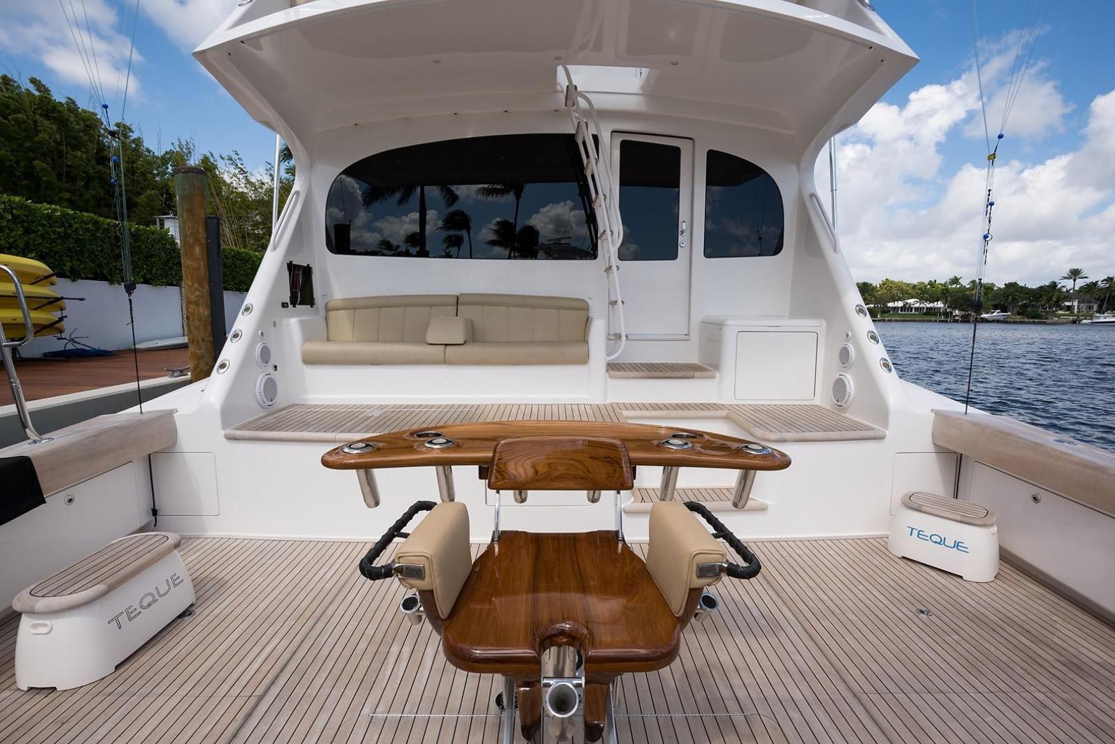Viking-Enclosed 2013-No Name 82 Miami-Florida-United States-Cockpit-1324724 | Thumbnail