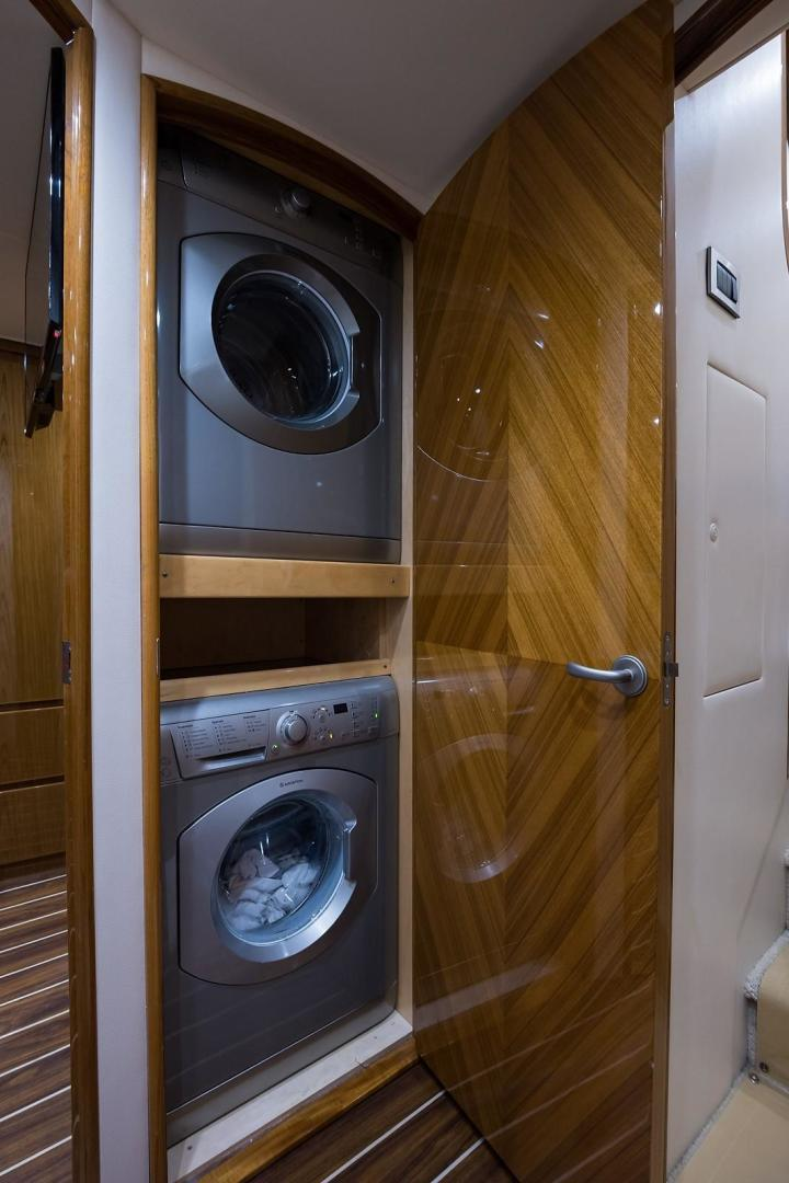 Viking-Enclosed 2013-No Name 82 Miami-Florida-United States-Laundry Center-1324682 | Thumbnail