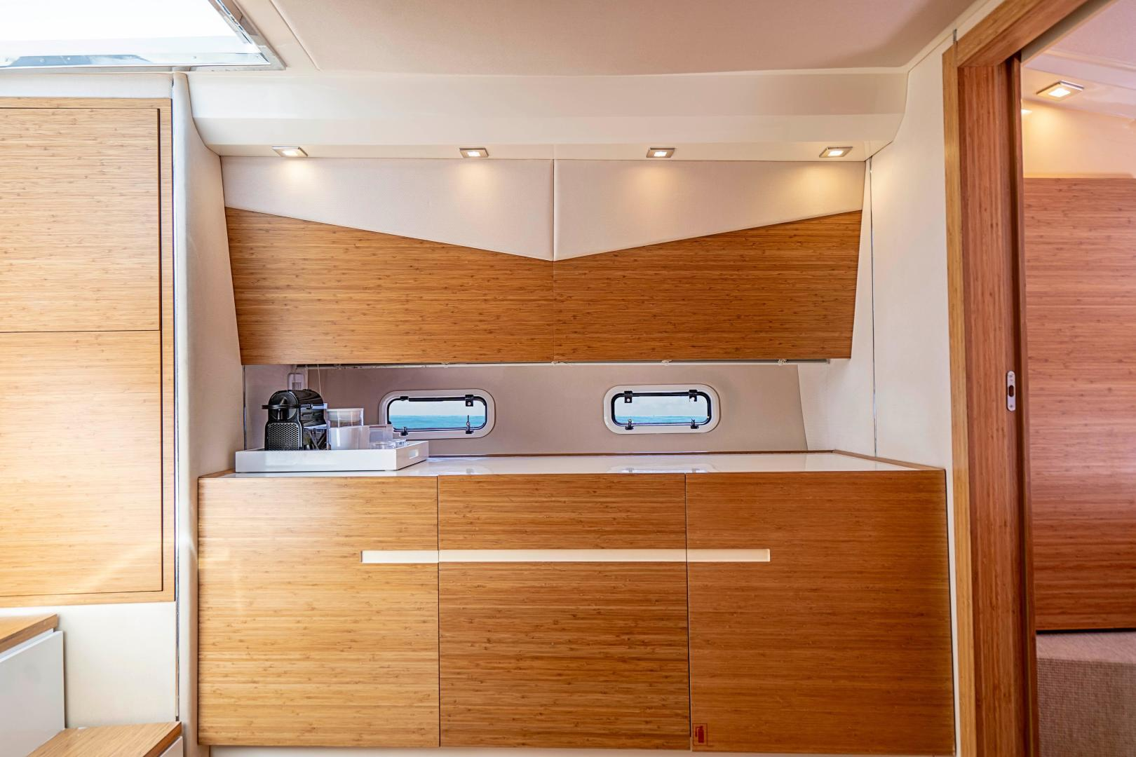 Azimut 36 - Veloce - Below Deck