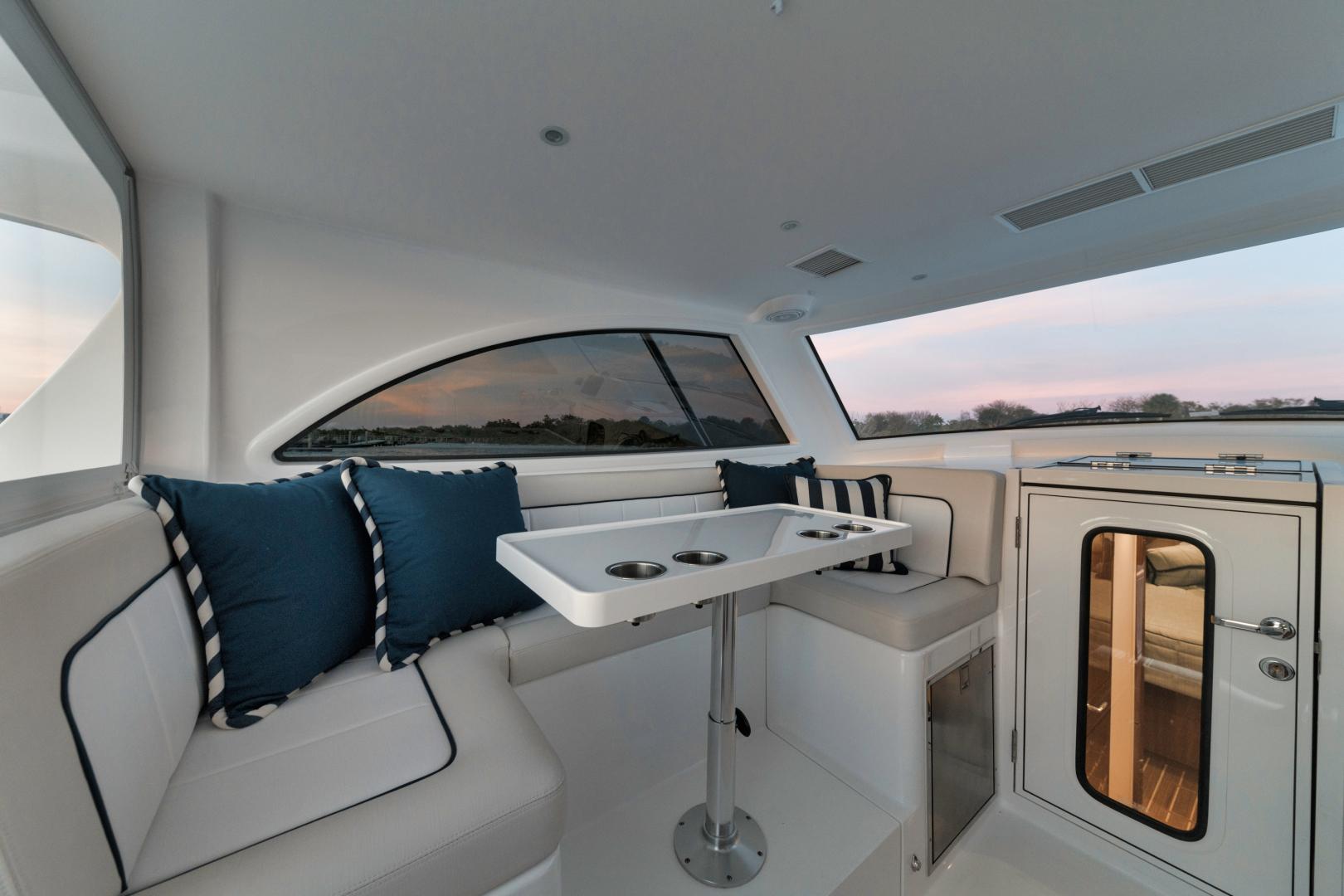 Viking 38 - Deck Seating
