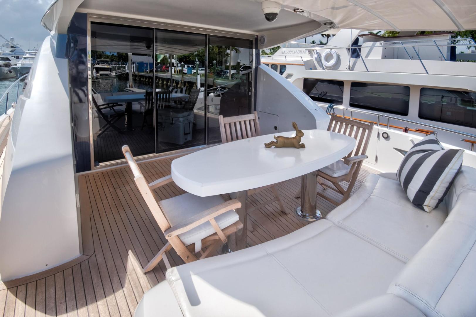 75 Lazzara Aft Deck Seating
