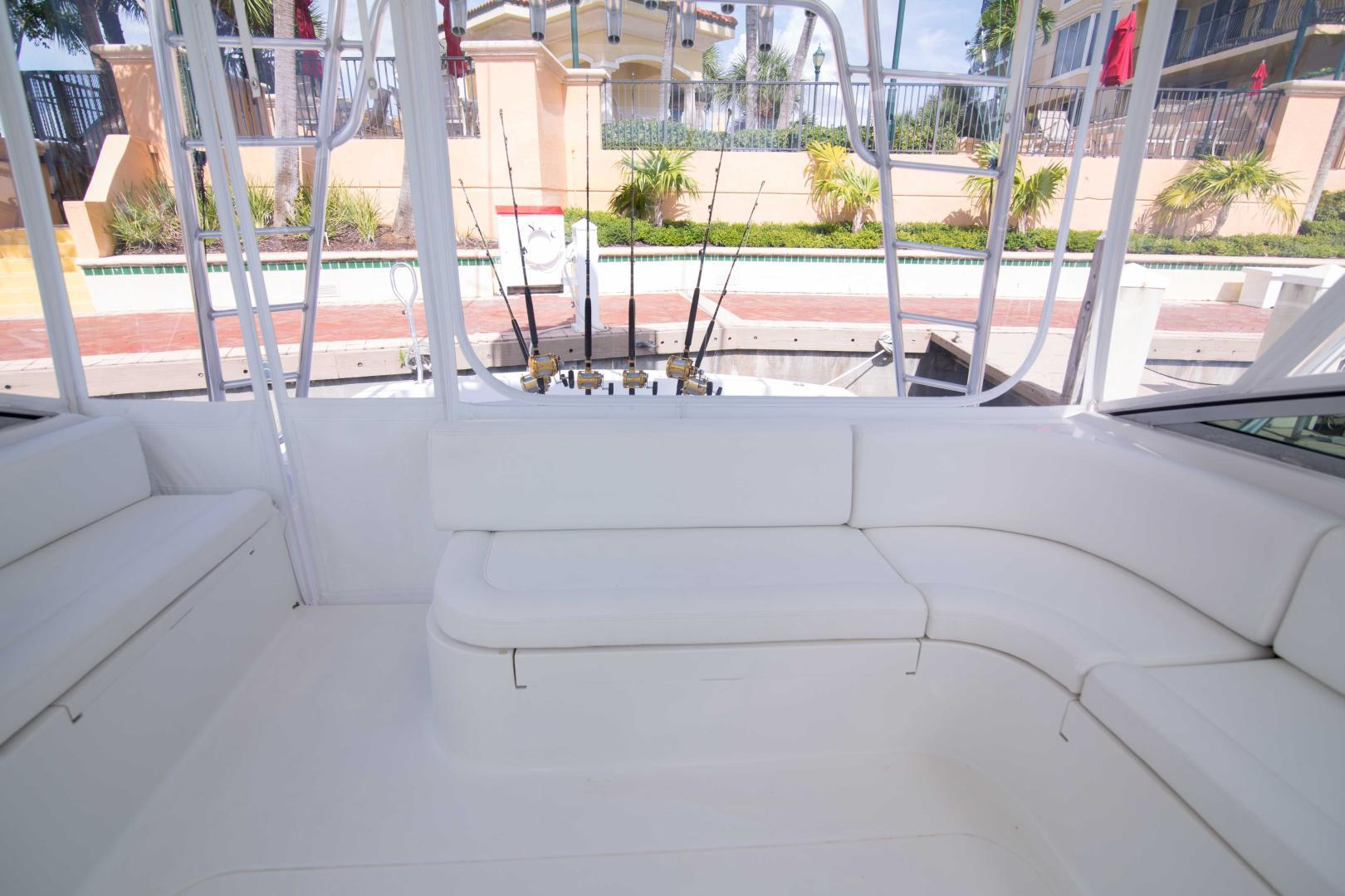 Viking 50 - Tiger Six - Helm Deck Seating