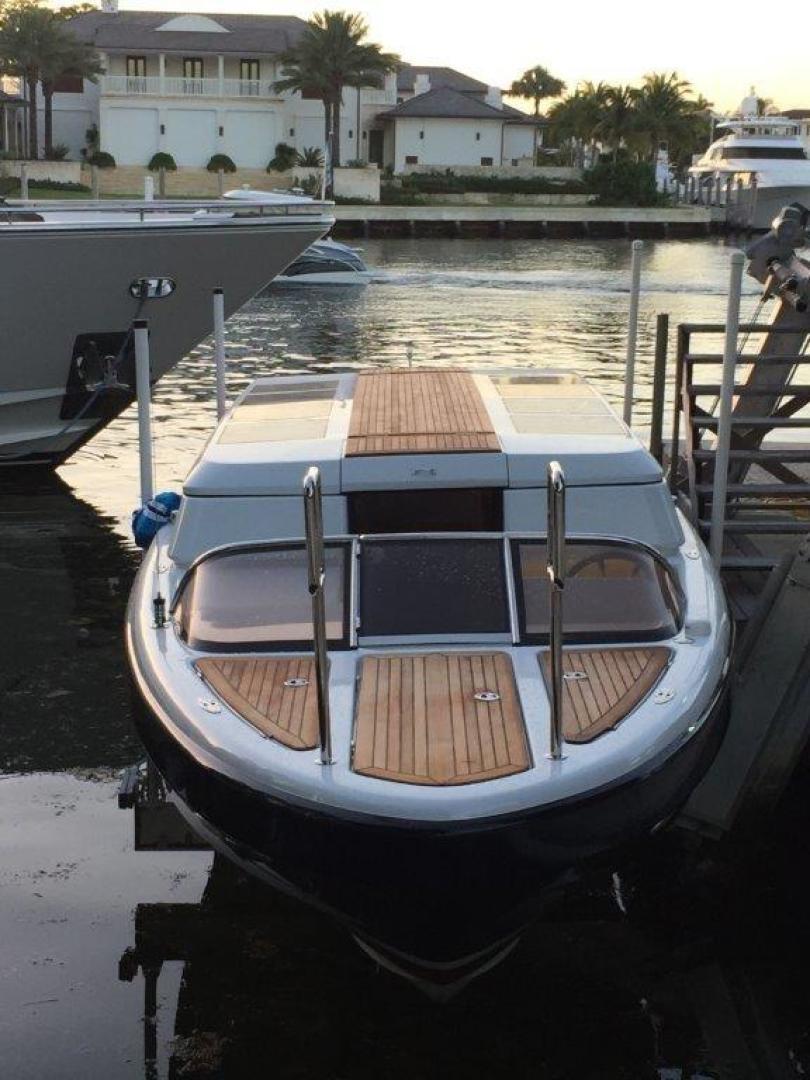Royal Denship 29 - Royal Limo - Bow Profile