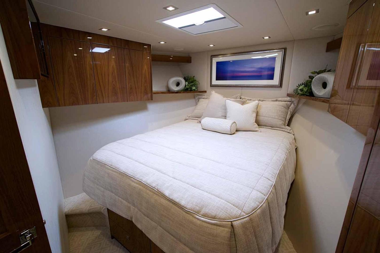 Viking 72 - VIP Stateroom