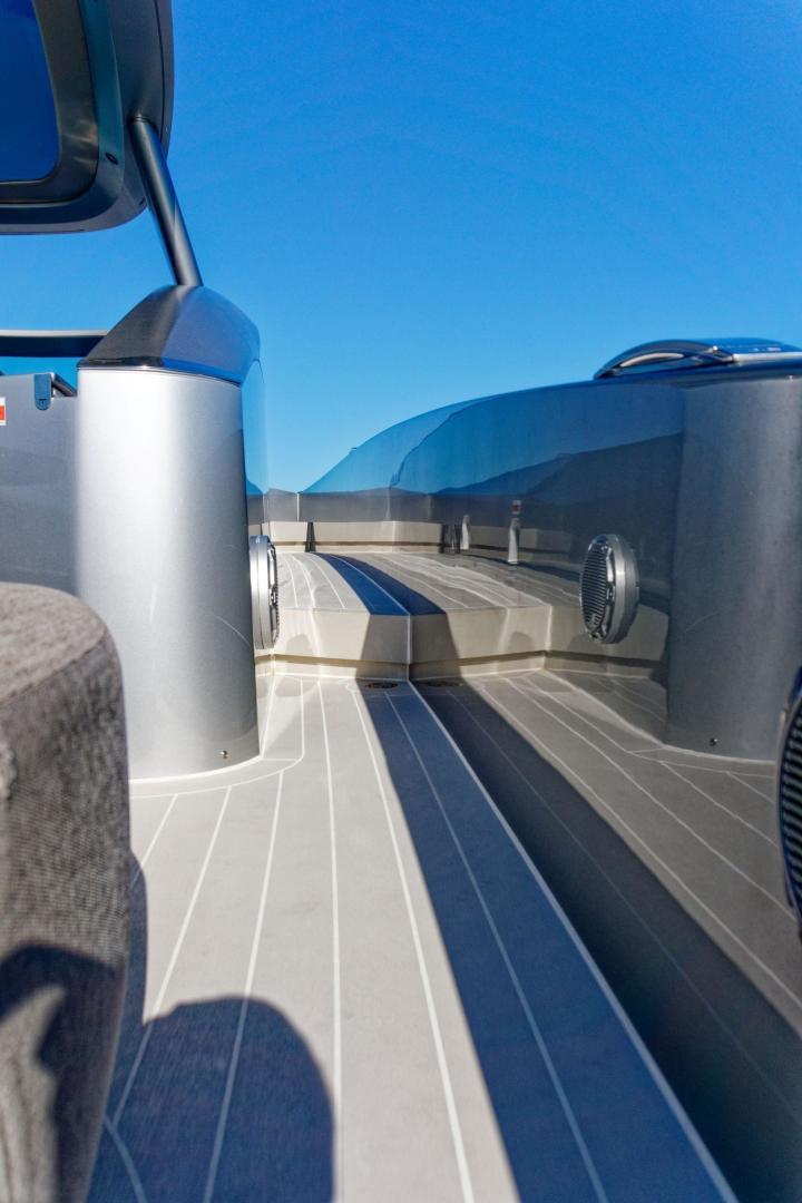 Tecnomar 55 - Side Deck