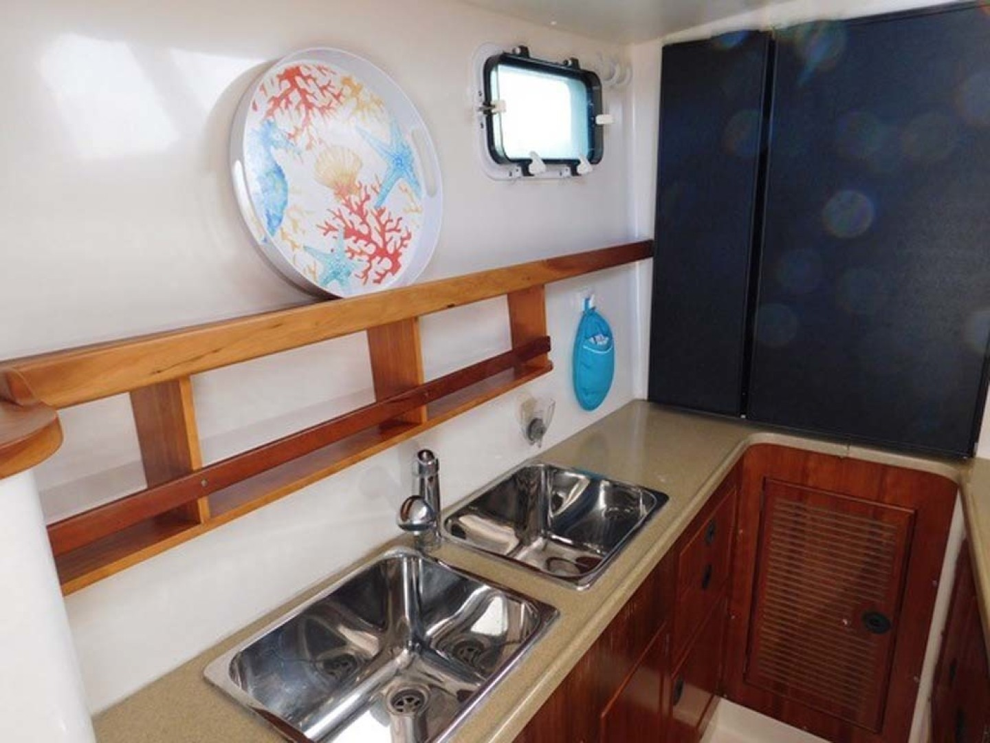 PDQ-Passage Maker 2005-Sea Renity Cocoa Beach-Florida-United States-Galley Sink Area-1336054 | Thumbnail