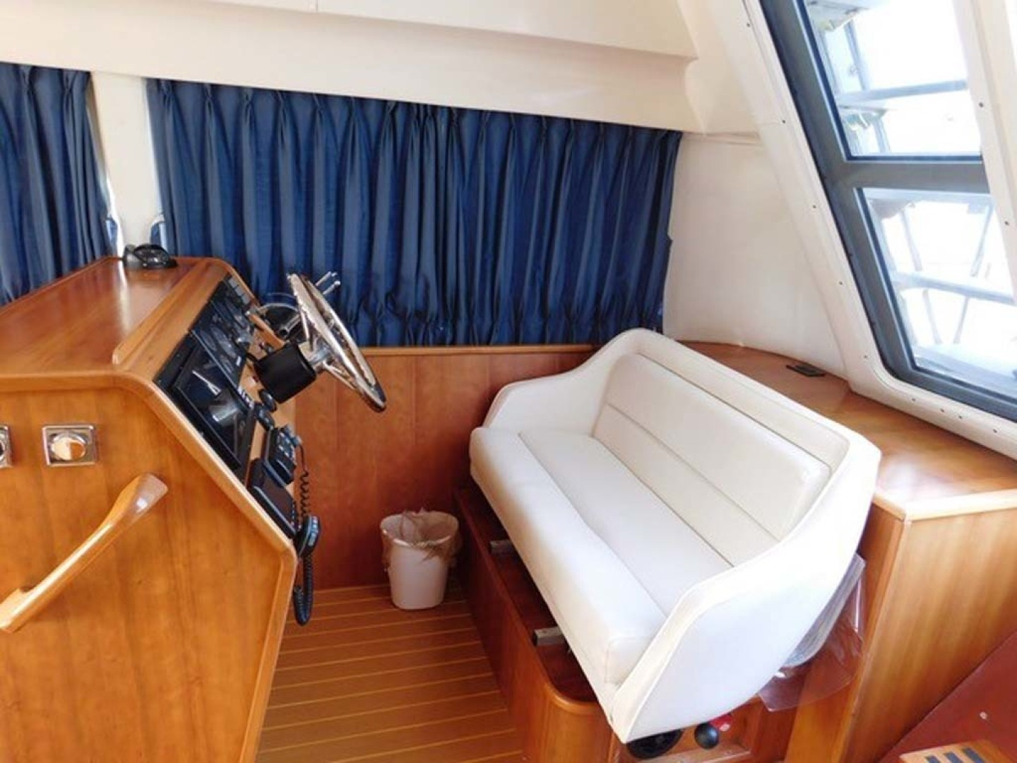PDQ-Passage Maker 2005-Sea Renity Cocoa Beach-Florida-United States-Helm Seating-1336041 | Thumbnail