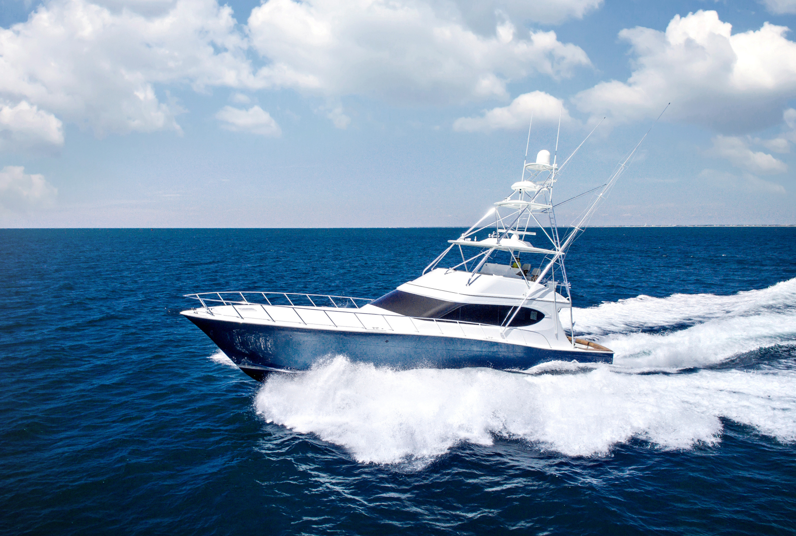 Picture Of: 70' Hatteras GT70 2017 Yacht For Sale | 1 of 42