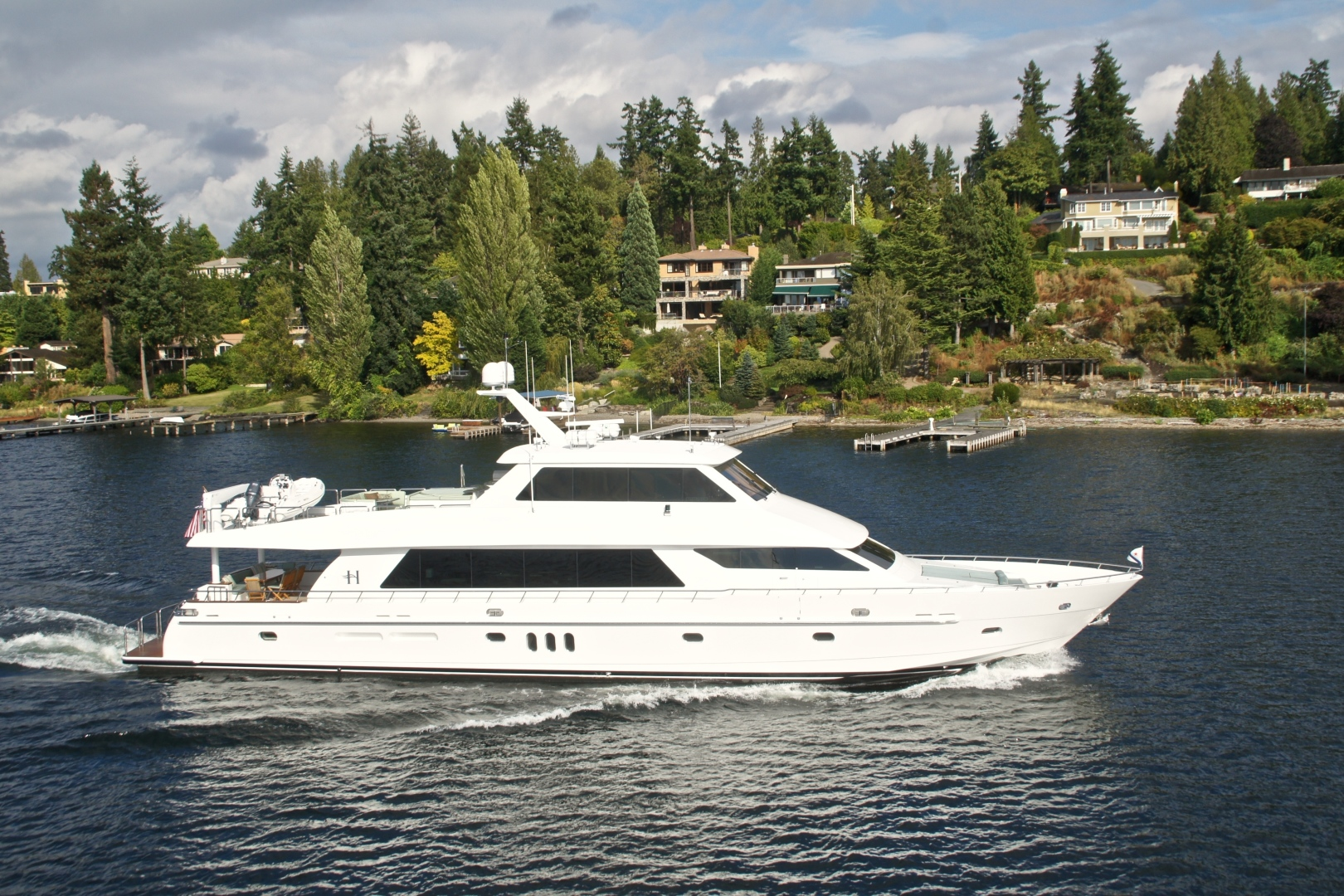 Picture Of: 101' Hargrave 101 Sky Lounge 2010 Yacht For Sale   2 of 23