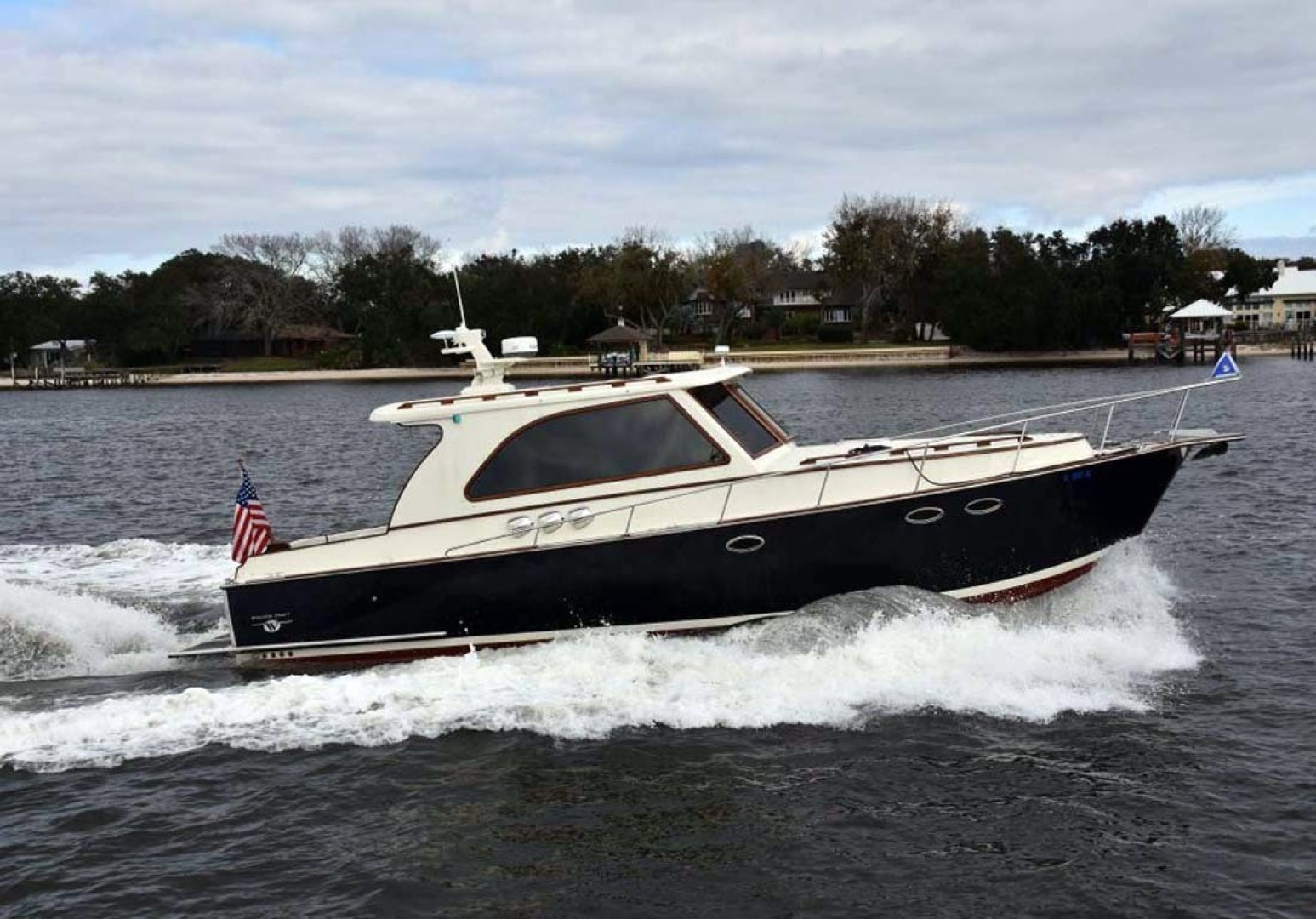 Picture Of: 41' Windsor Craft by Vicem Yacht 40' Hardtop 2009 Yacht For Sale | 1 of 16