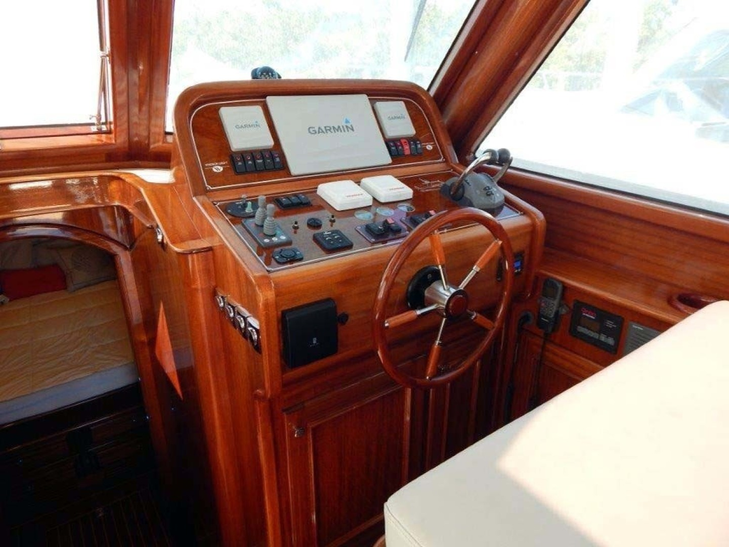 Windsor Craft-by Vicem Yacht 40 Hardtop 2009-Tally II Jacksonville-Florida-United States-Helm-1337764 | Thumbnail