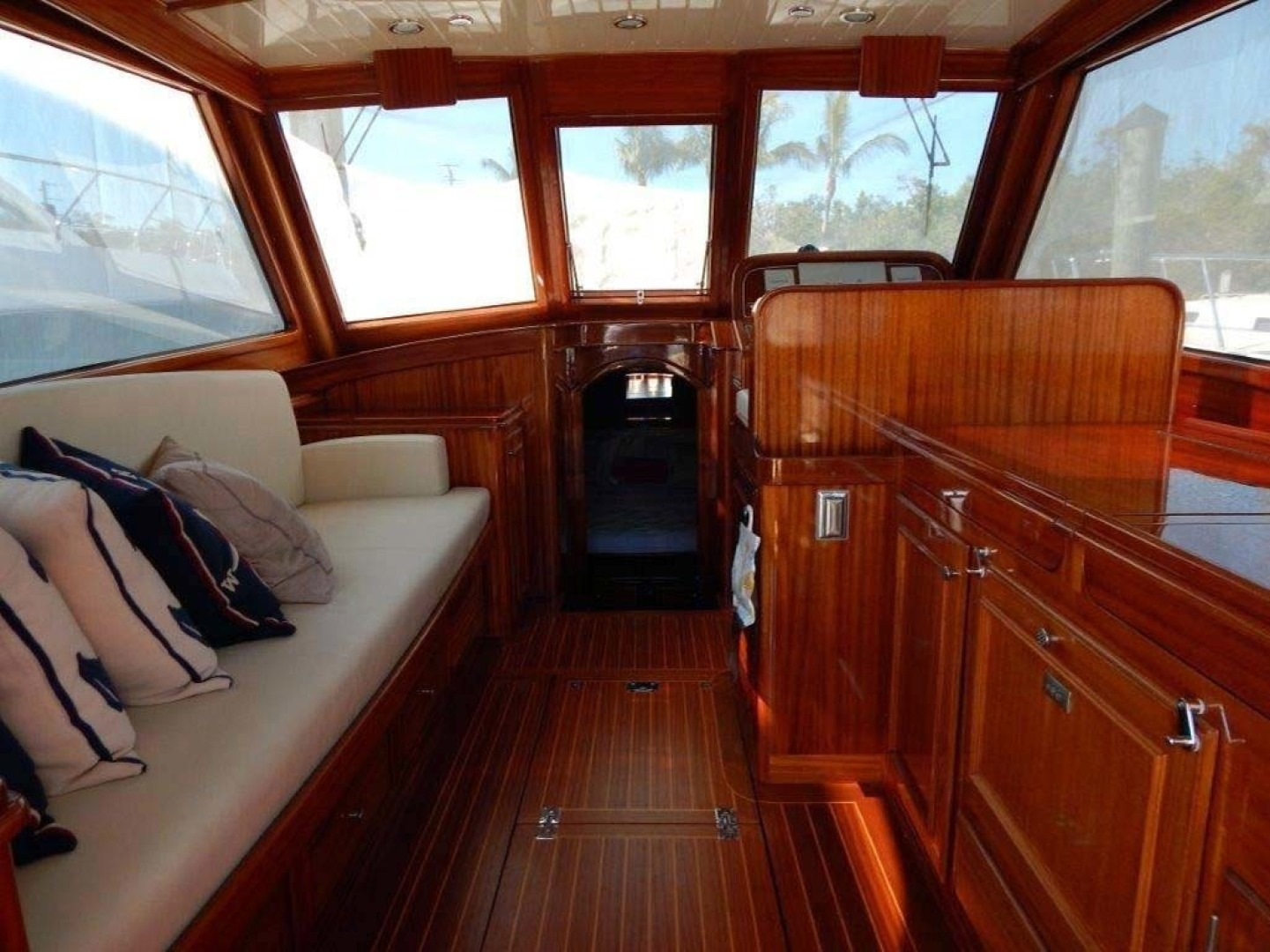 Picture Of: 41' Windsor Craft by Vicem Yacht 40' Hardtop 2009 Yacht For Sale | 2 of 16