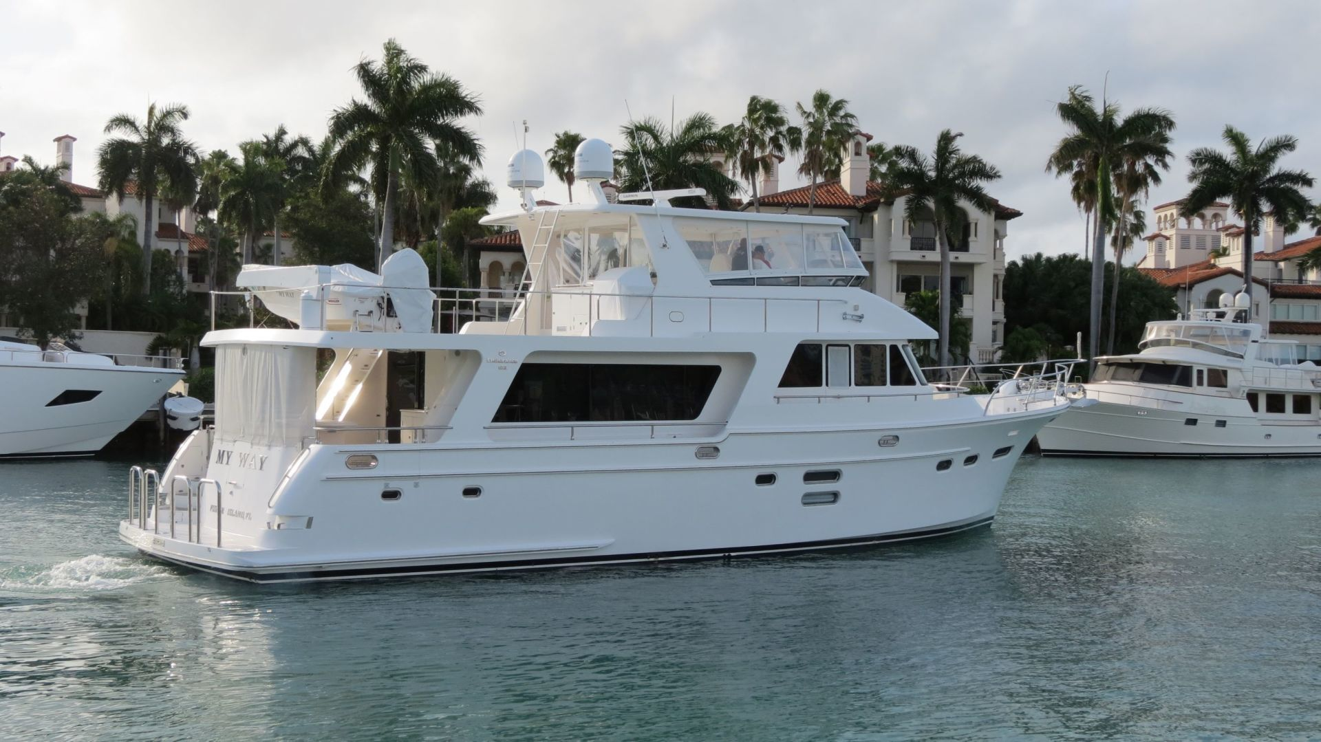 Picture Of: 65' Hampton Endurance 2015 Yacht For Sale | 1 of 76