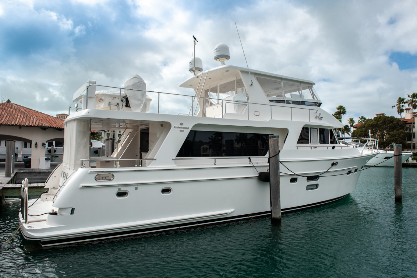 Picture Of: 65' Hampton Endurance 2015 Yacht For Sale | 2 of 76