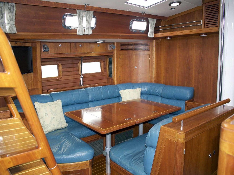 Little Harbor-60 1994-LYNLEY III Somerset-Massachusetts-United States-Salon Table, Extended-1338747 | Thumbnail