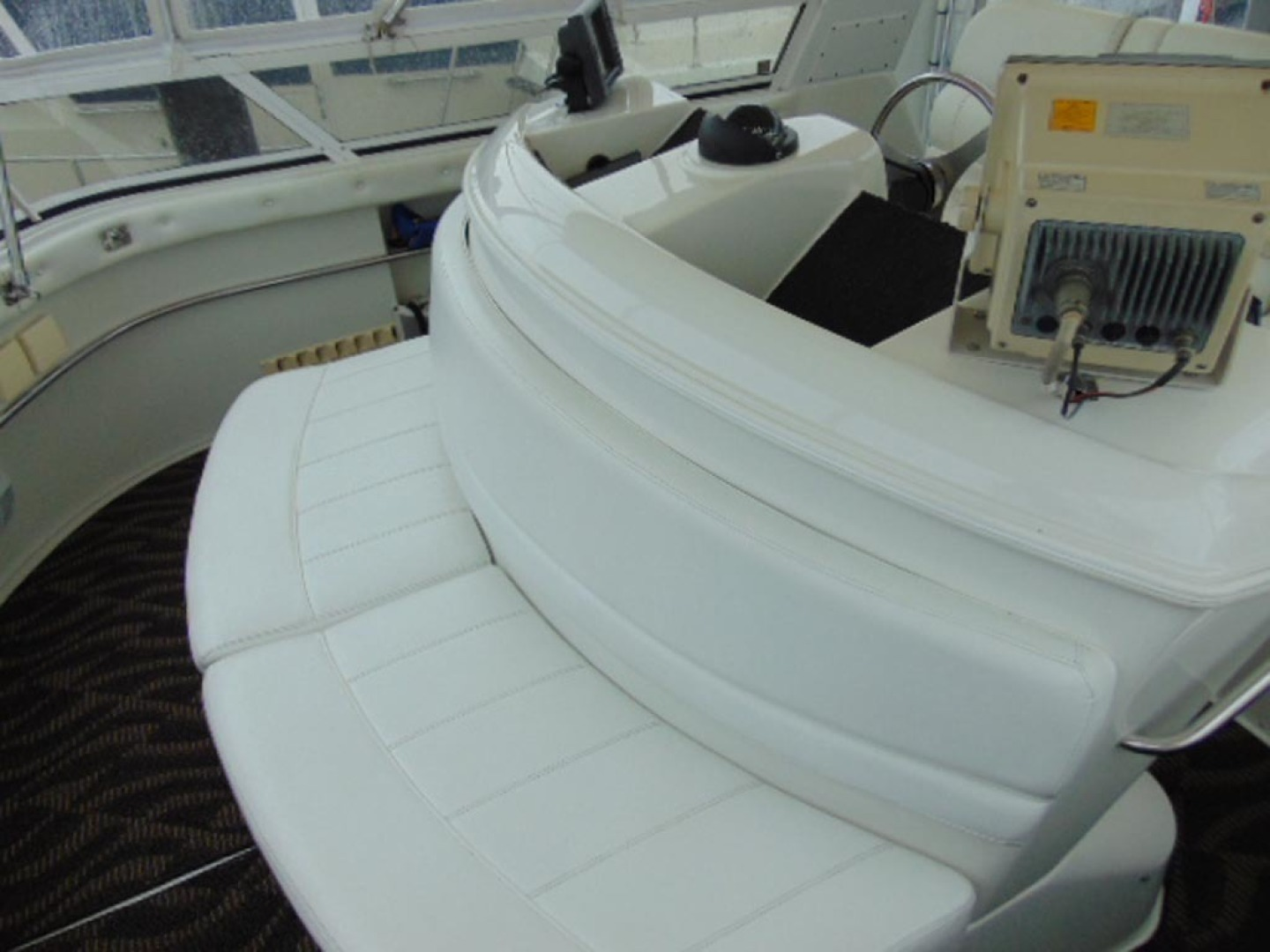 Carver-500 Cockpit Motor Yacht 1997-Happenstance Stuart-Florida-United States-Bridge Seating-1341019 | Thumbnail