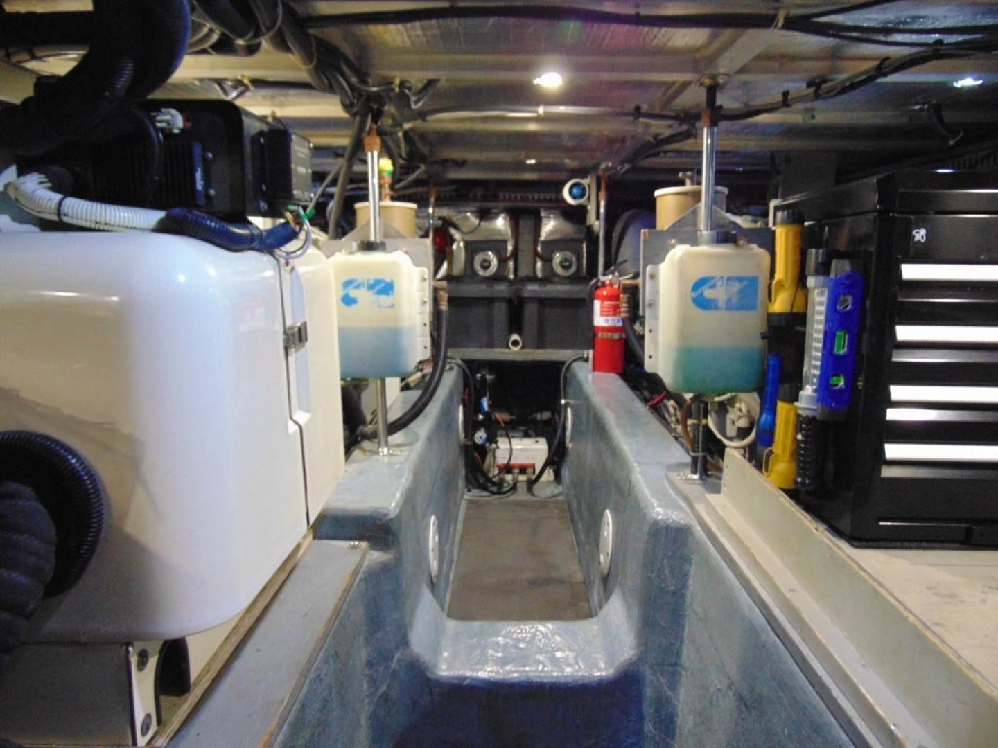 Carver-500 Cockpit Motor Yacht 1997-Happenstance Stuart-Florida-United States-Engine Room-1341024 | Thumbnail