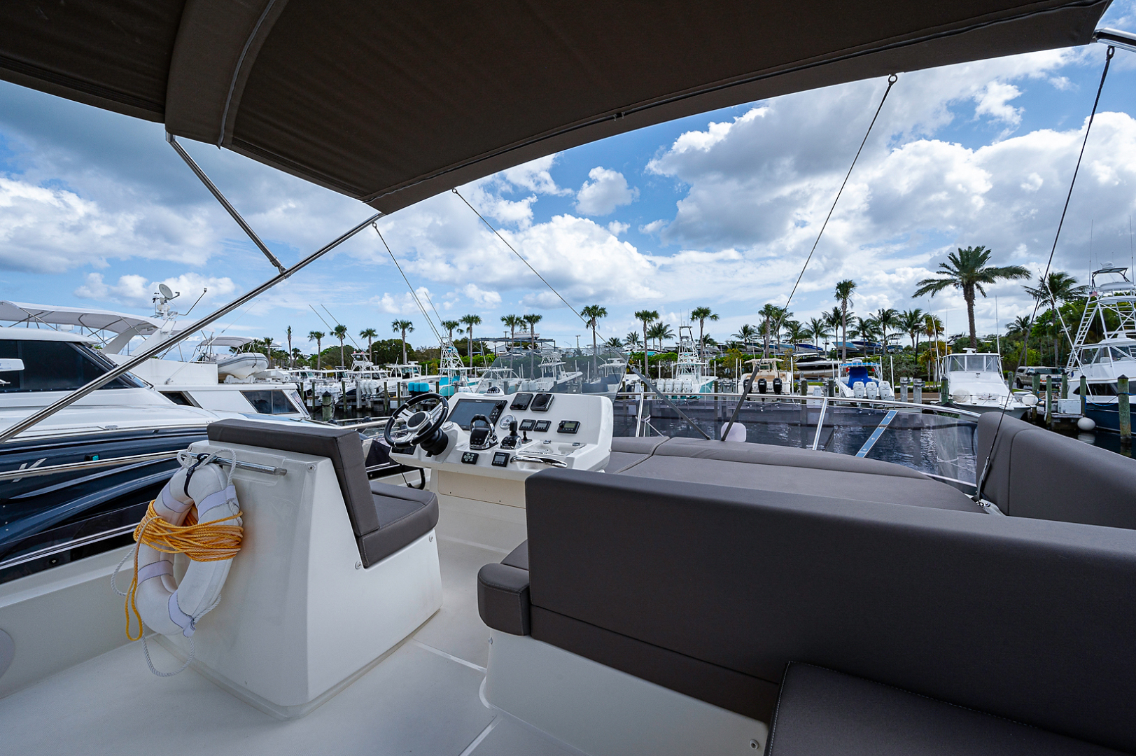 Prestige-460 Flybridge 2018-SEAQUEL Palm Beach Gardens-Florida-United States-Flybridge-1351140 | Thumbnail