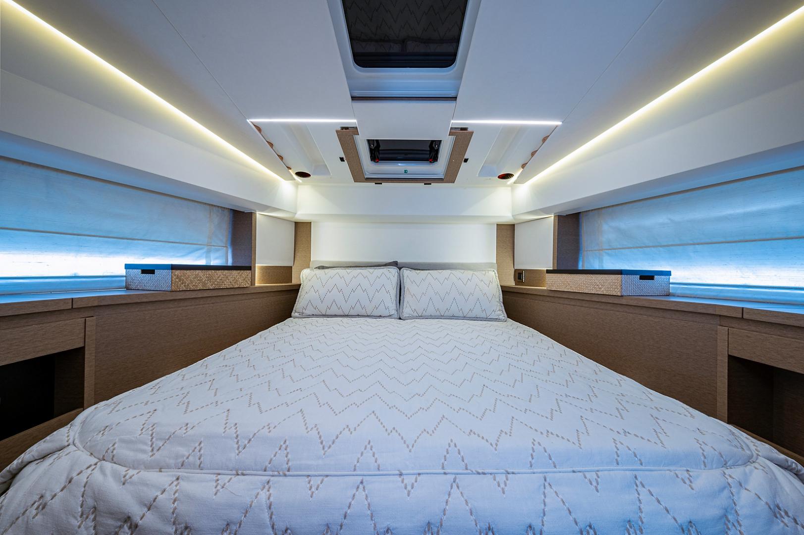 Prestige-460 Flybridge 2018-SEAQUEL Palm Beach Gardens-Florida-United States-Forward VIP Stateroom-1351168 | Thumbnail