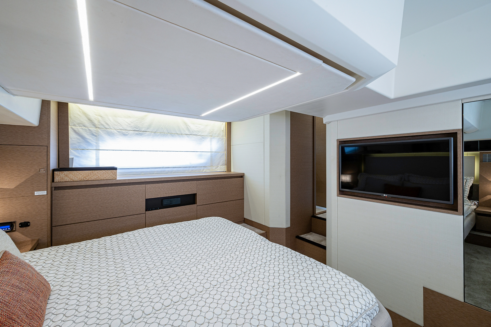 Prestige-460 Flybridge 2018-SEAQUEL Palm Beach Gardens-Florida-United States-Master Stateroom-1351162 | Thumbnail