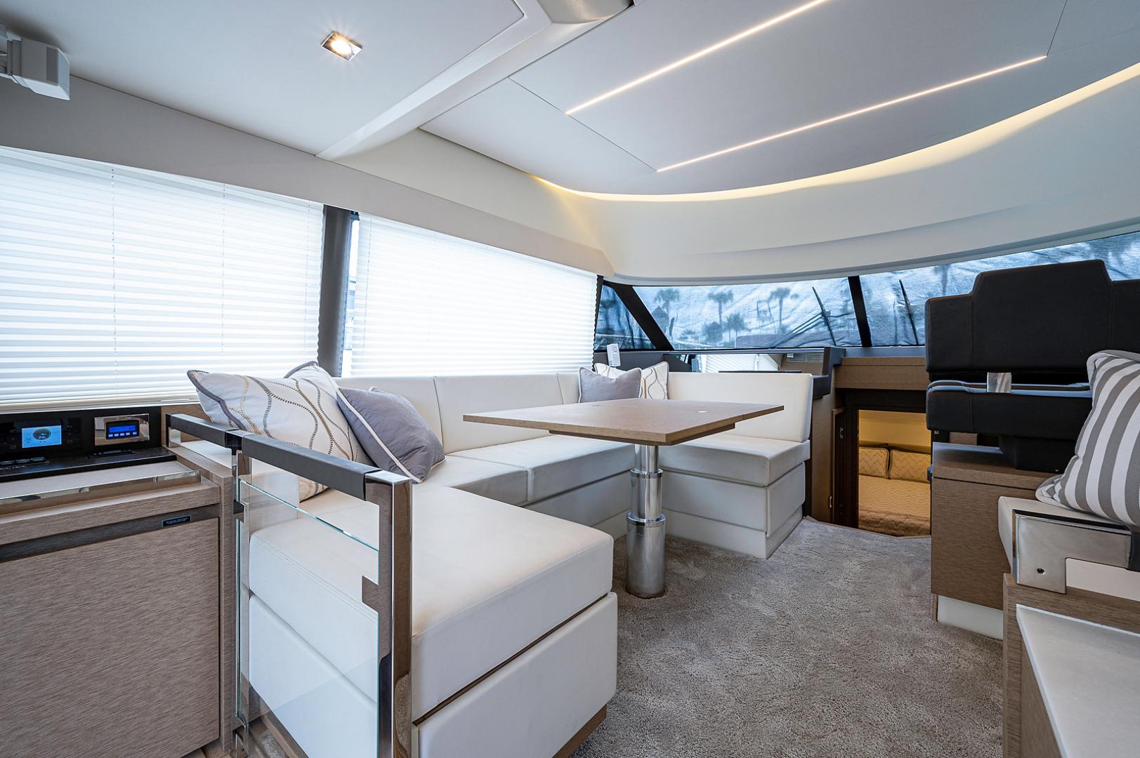 Prestige-460 Flybridge 2018-SEAQUEL Palm Beach Gardens-Florida-United States-Salon-1351156 | Thumbnail