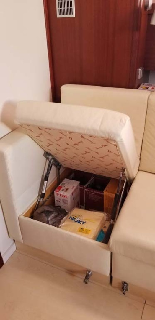 Hanse-540e 2008-Ouldary Las Playitas-Mexico Storage Under Settee-1344507 | Thumbnail
