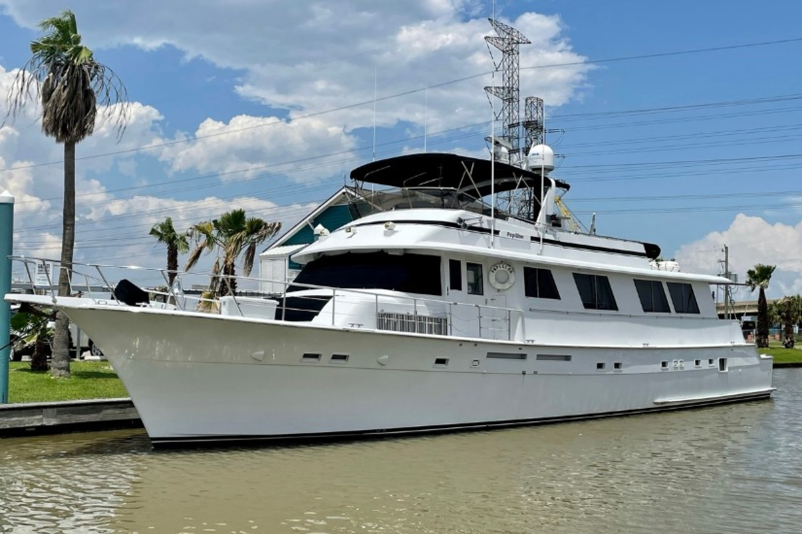 Picture Of: 82' Hatteras 82 Cockpit Motor Yacht 1985 Yacht For Sale | 1 of 50
