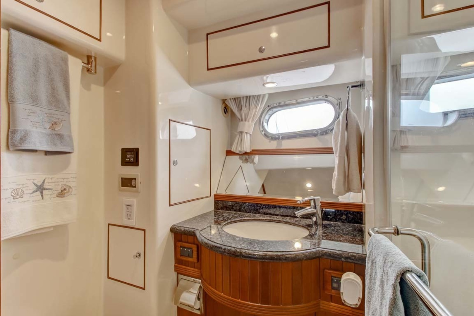 Selene-60 Ocean Trawler 2010-Gypsy Magic Jacksonville-Florida-United States-Master Stateroom Head-1346752 | Thumbnail