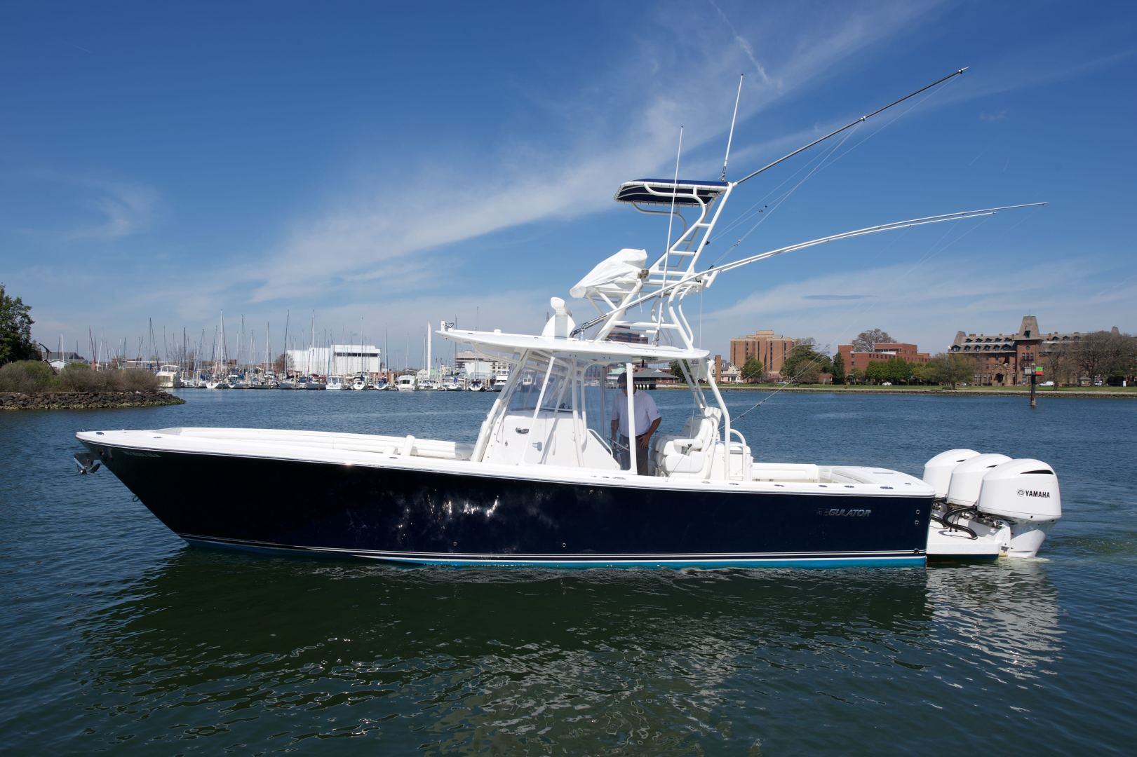 Regulator-34CC 2017 -Outer Banks-North Carolina-United States-1361814   Thumbnail
