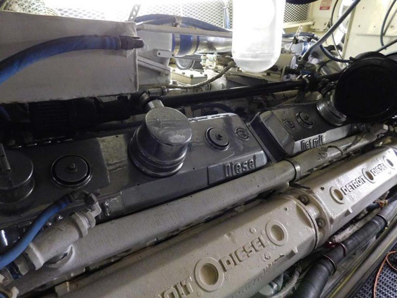 Hatteras-Sportfish 1990-Spindrift North Palm Beach-Florida-United States Starboard Engine-1420058 | Thumbnail