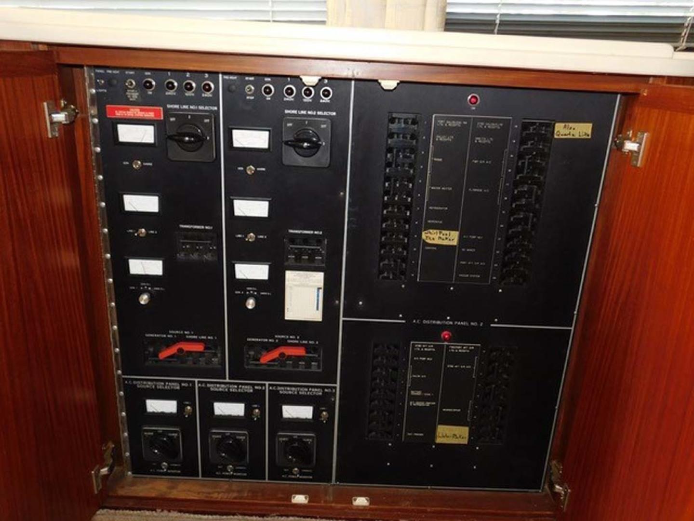 Hatteras-Sportfish 1990-Spindrift North Palm Beach-Florida-United States AC DC Panels-1420024 | Thumbnail