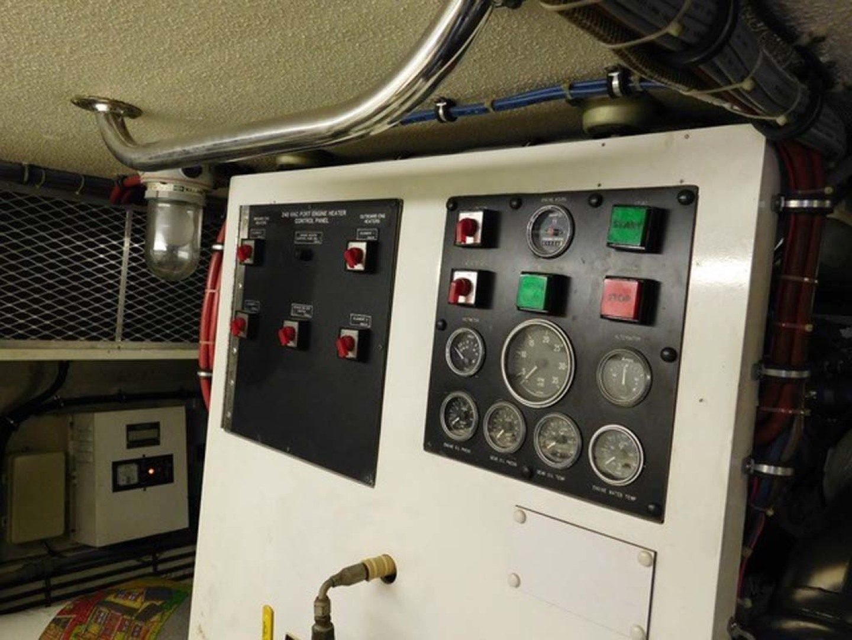 Hatteras-Sportfish 1990-Spindrift North Palm Beach-Florida-United States Port Engine Room Panel-1420054 | Thumbnail
