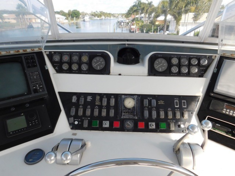 Hatteras-Sportfish 1990-Spindrift North Palm Beach-Florida-United States Dash-1420002 | Thumbnail