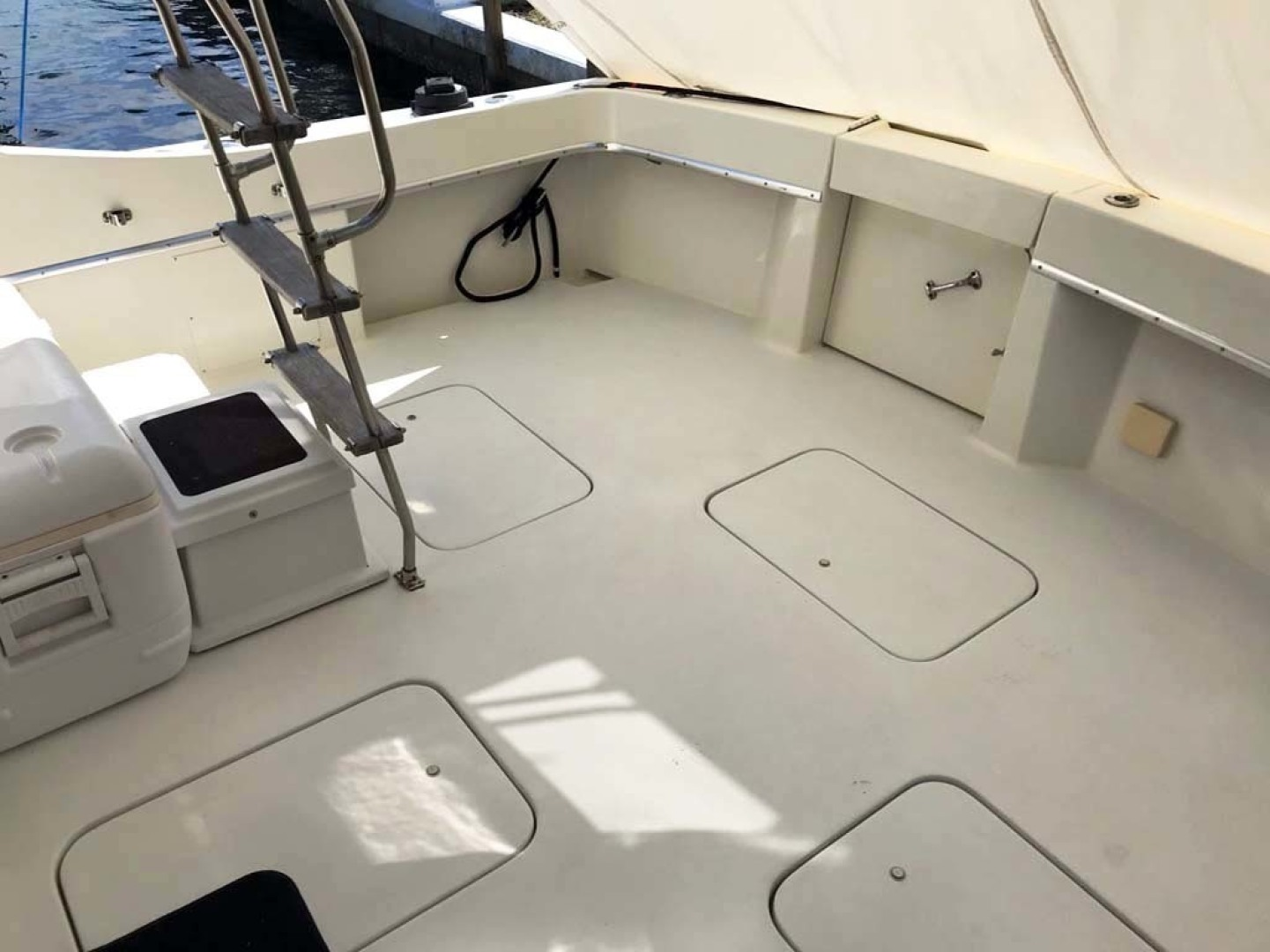 Hatteras-37 Convertible 1981-Reel Development Vero Beach-Florida-United States-Cockpit-1347833 | Thumbnail