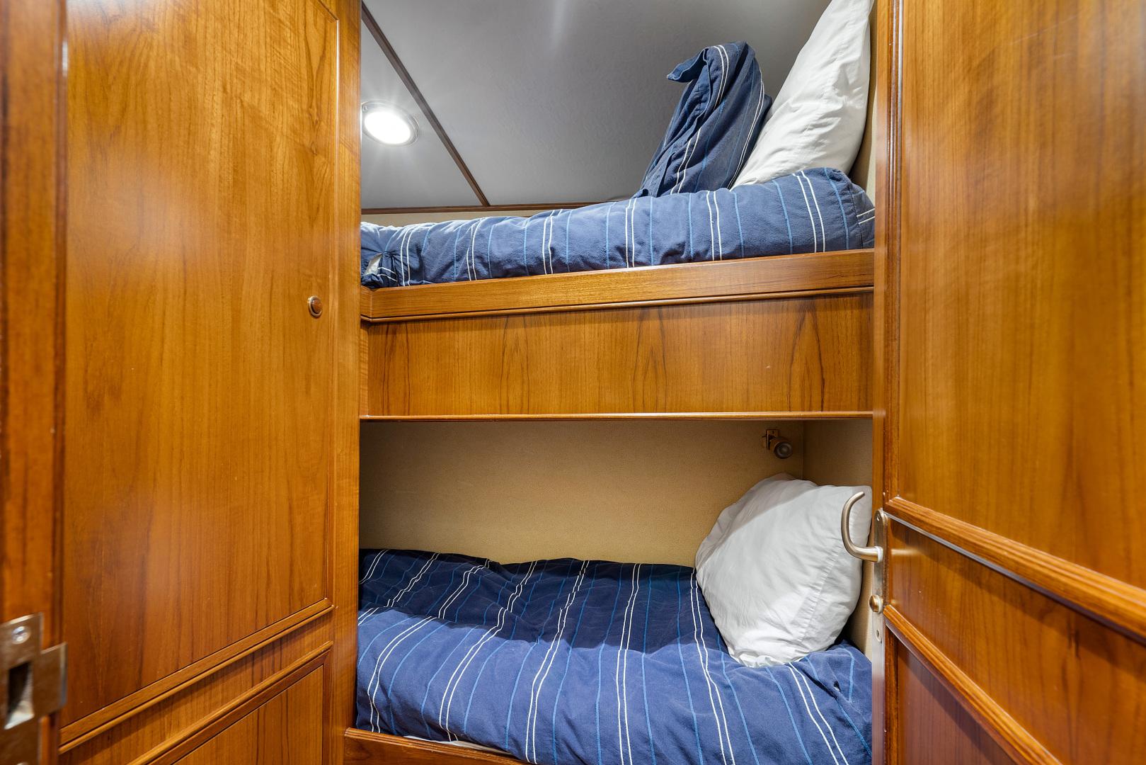 Garlington-Convertible 2003-Reel Lax Jupiter-Florida-United States-Starboard Guest Stateroom-1349044 | Thumbnail