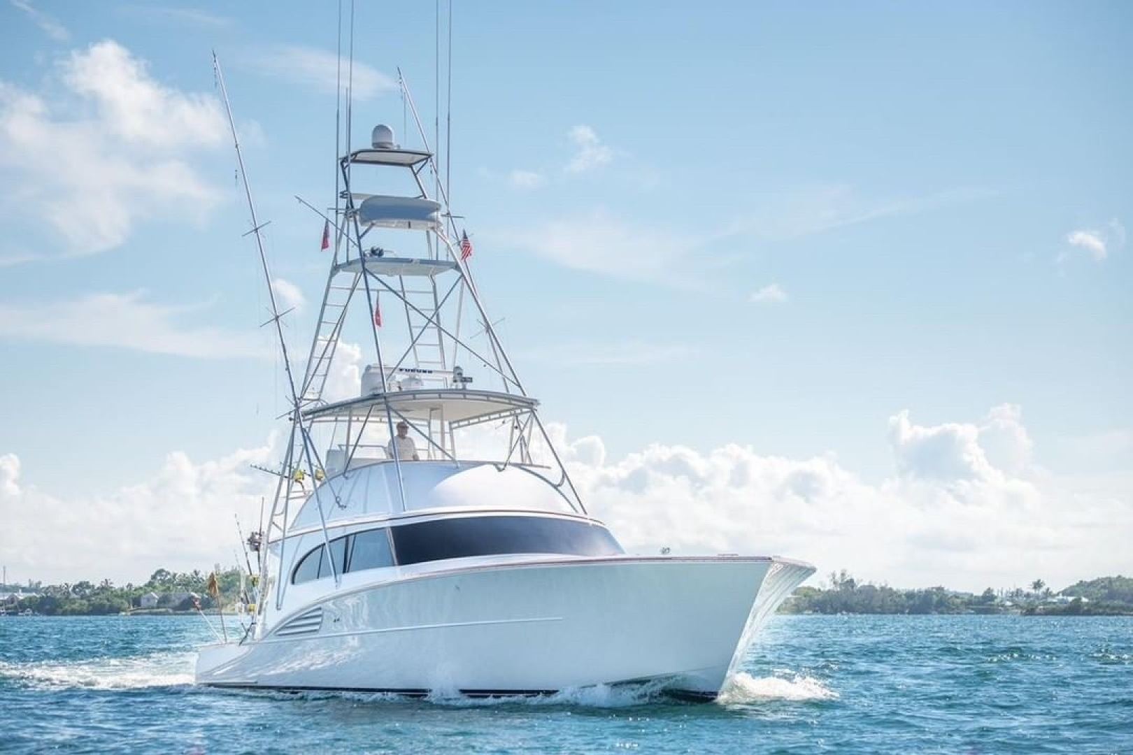 Picture Of: 61' Garlington Convertible 2003 Yacht For Sale | 2 of 29