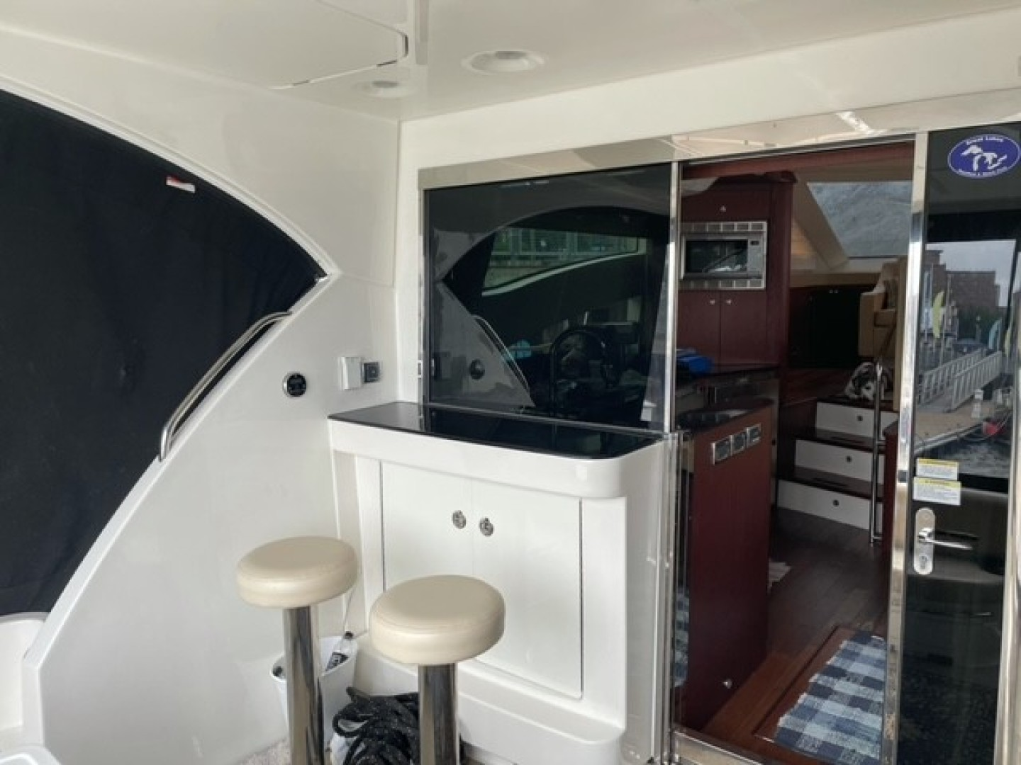 Picture Of: 54' Meridian 541 Sedan 2012 Yacht For Sale | 2 of 13