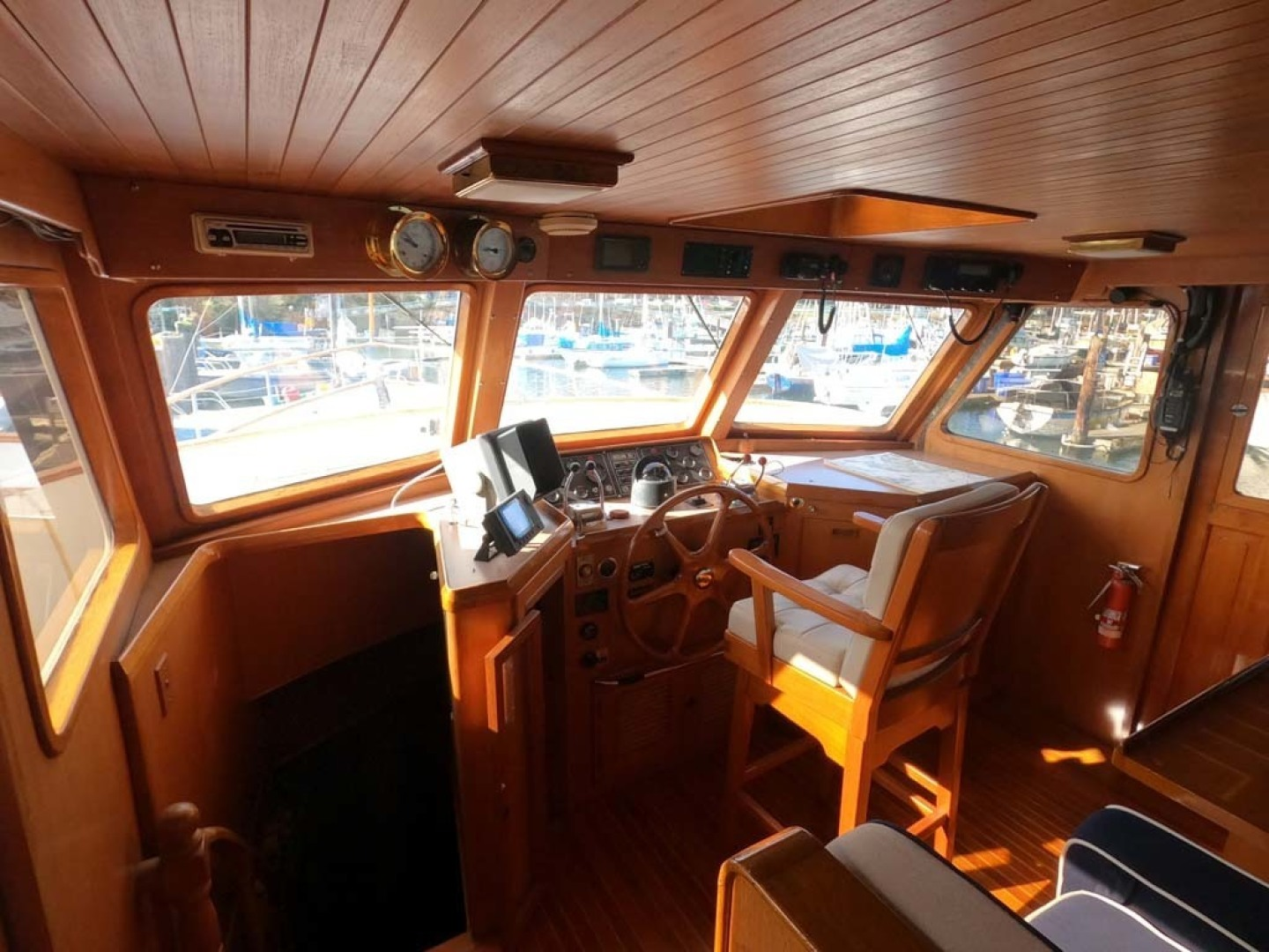 Ocean Alexander-MK I 1980-El Pescador Sequim-Washington-United States-Pilothouse-1350029 | Thumbnail