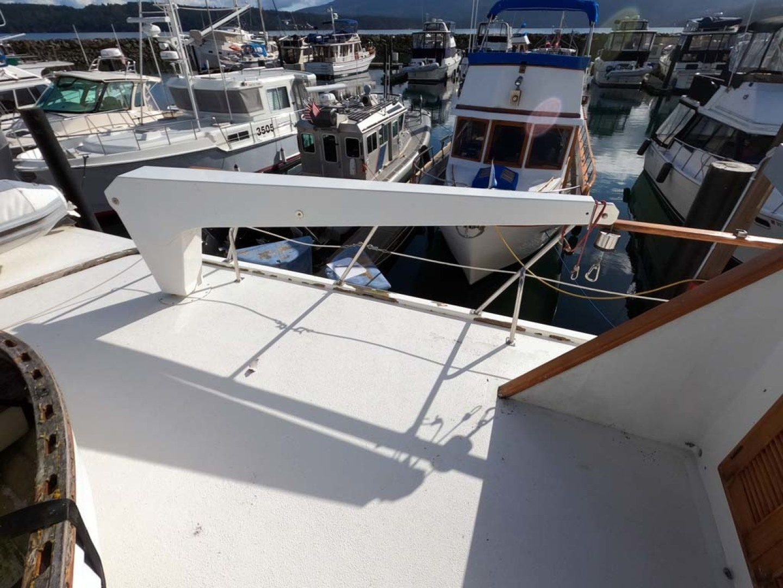 Ocean Alexander-MK I 1980-El Pescador Sequim-Washington-United States-Davit-1350016 | Thumbnail