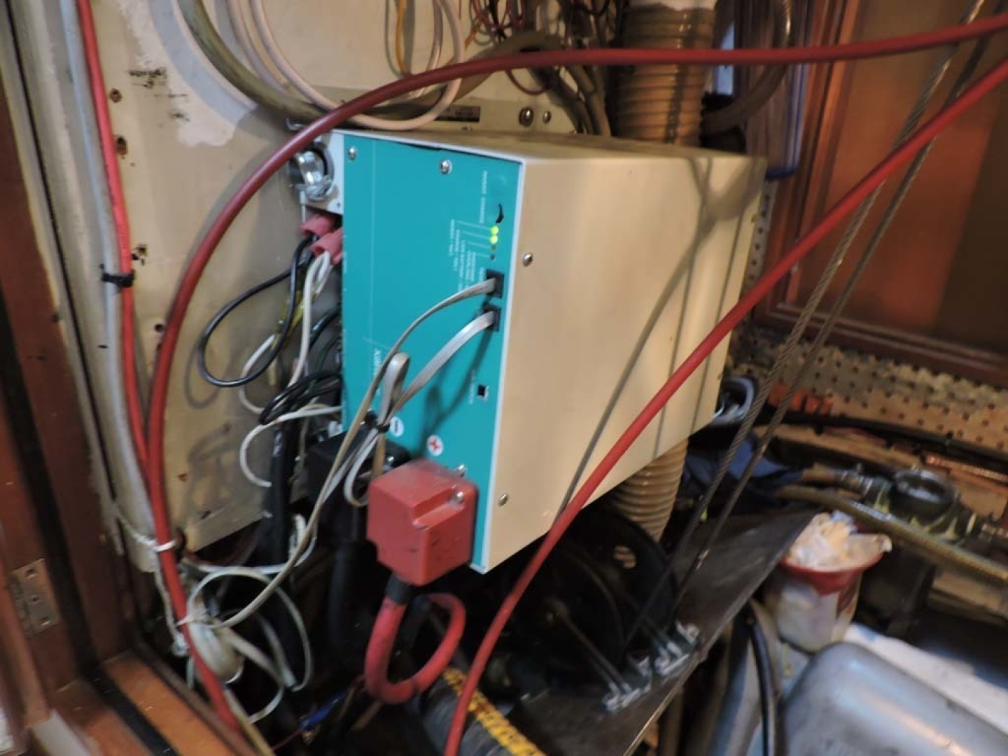 Tayana-48 1995-Lady Jennili Cape Canaveral-Florida-United States-Engine Room Inverter-1350670 | Thumbnail