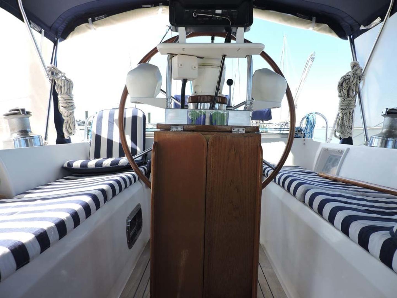 Tayana-48 1995-Lady Jennili Cape Canaveral-Florida-United States-Cockpit Helm Stand-1350698 | Thumbnail