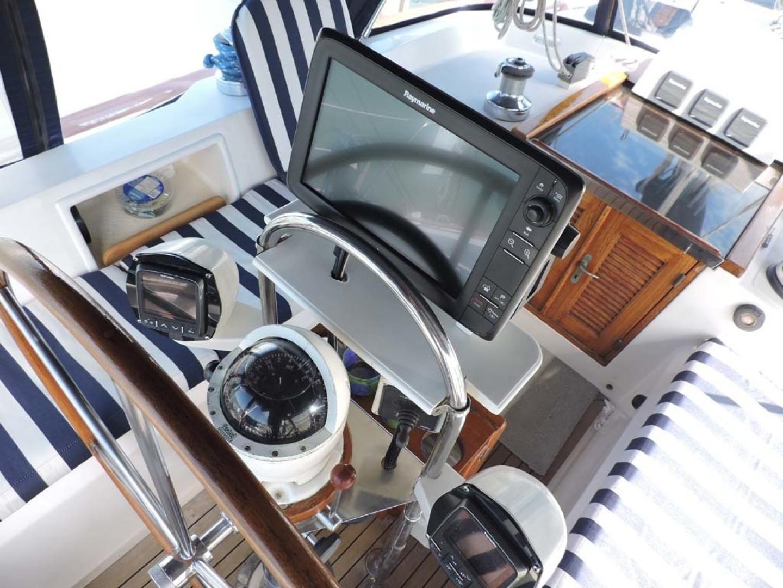 Tayana-48 1995-Lady Jennili Cape Canaveral-Florida-United States-Cockpit Helm Electronics-1350695 | Thumbnail
