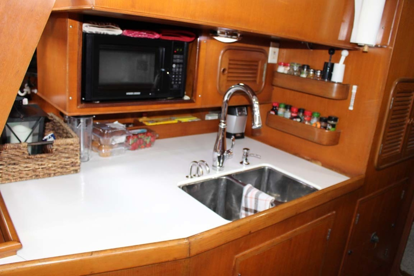 Tayana-48 1995-Lady Jennili Cape Canaveral-Florida-United States-Galley Double Sink-1350655 | Thumbnail