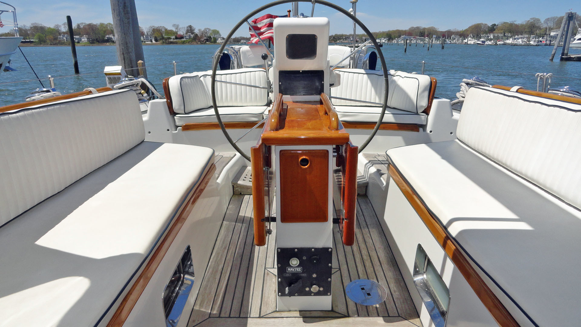 Little Harbor-54 1995-LA DIFFERENCE Branford-Connecticut-United States-Cockpit Looking Aft-1400158 | Thumbnail