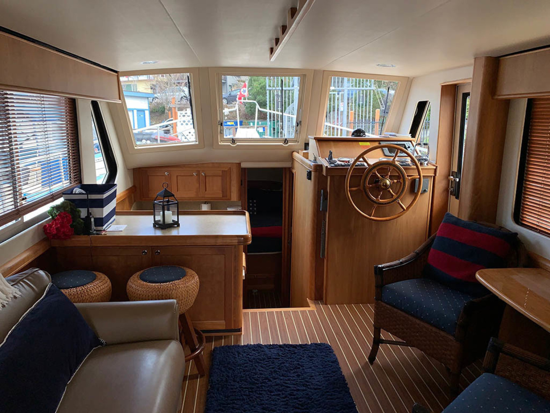 Mainship-Trawler 2007-LITTLE RED Seattle-Washington-United States-Salon Looking Fwd-1353751 | Thumbnail