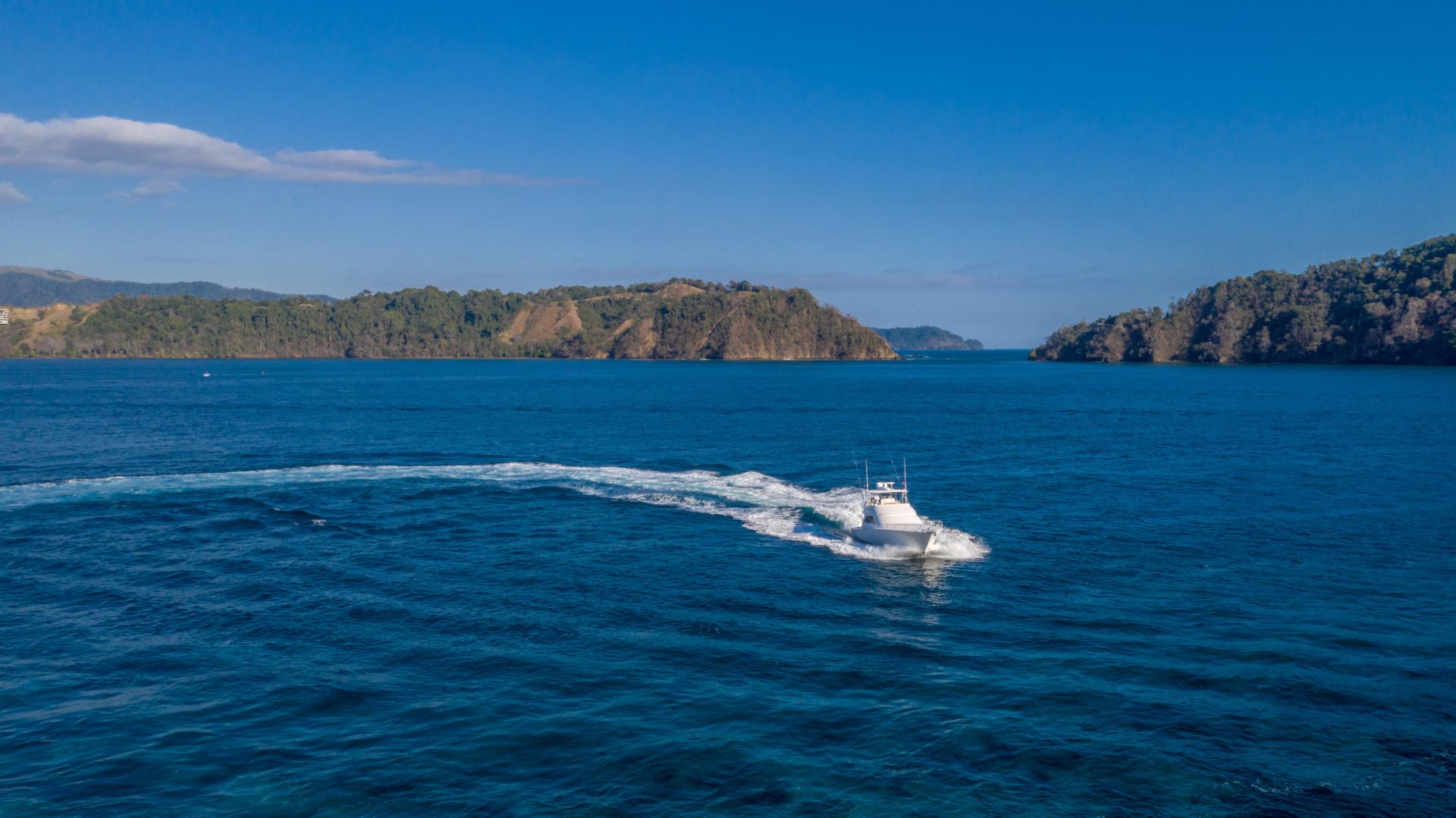 Viking-62 Convertible 2014-Mixer Playa Herradura, Los Suenos,-Costa Rica-2014 Viking 62 Convertible  Starboard Profile Running-1356279 | Thumbnail