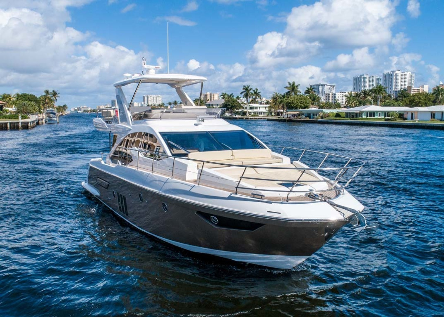 Picture Of: 50' Azimut 50 2017 Yacht For Sale   2 of 43