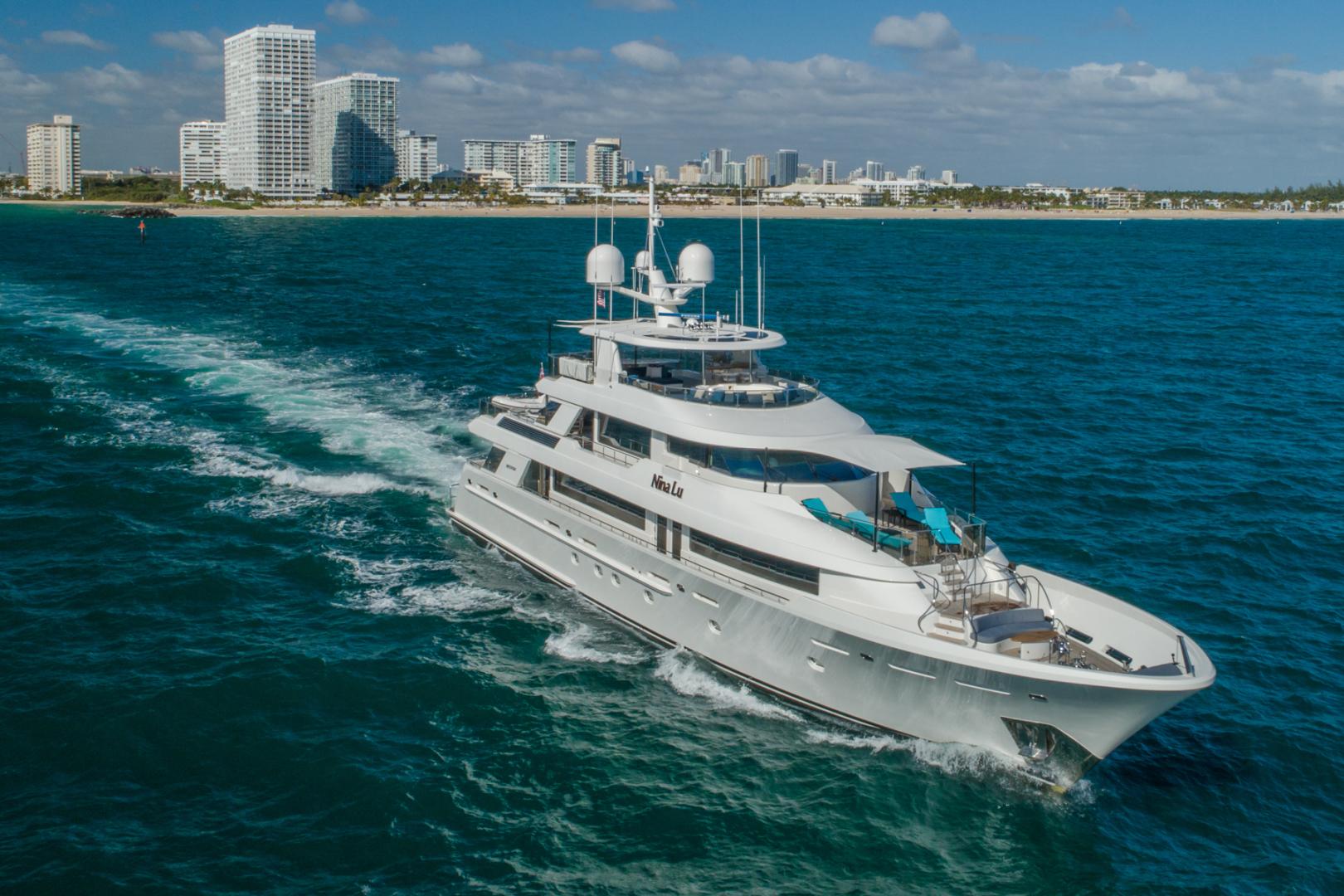 Westport-Westport 40 meter 2011-NINA LU Miami-Florida-United States-Starboard Bow Running-1354301 | Thumbnail