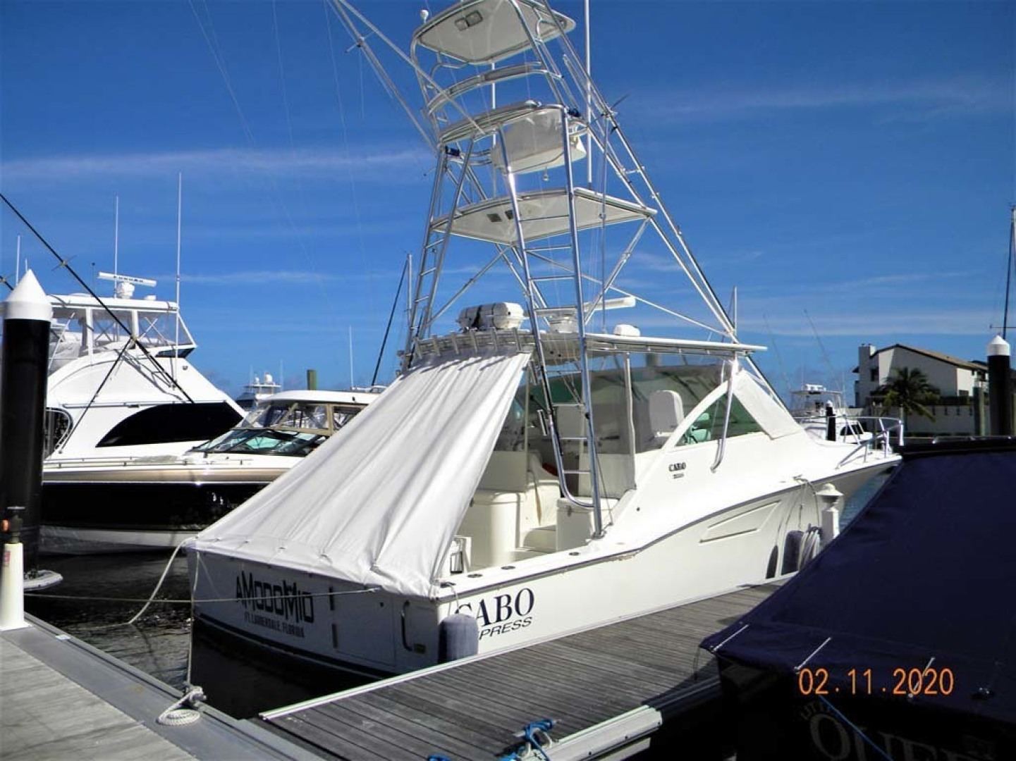 Cabo-40 Express SF 2009-A MODO MIO North Palm Beach-Florida-United States-Dockside Starboard-1354451 | Thumbnail