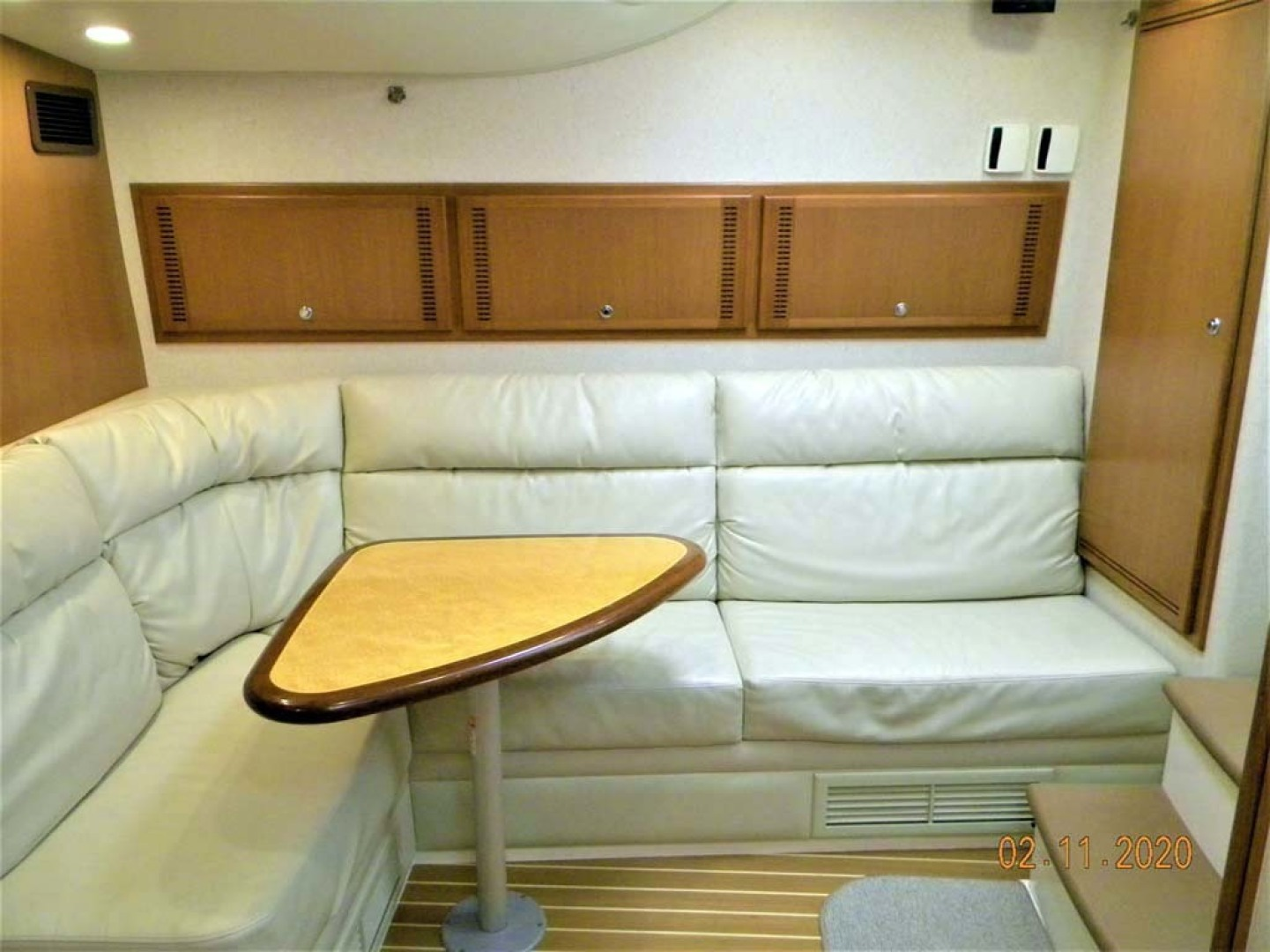 Cabo-40 Express SF 2009-A MODO MIO North Palm Beach-Florida-United States-Salon Settee, Upper And Lower Bunks, Rod Locker-1354464 | Thumbnail
